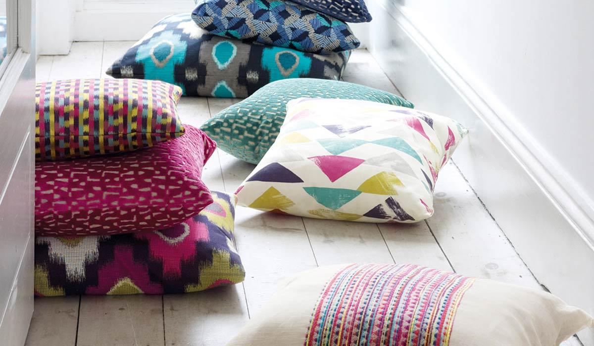 Come scegliere i tessuti per i progetti di cucito per la for Vendita cuscini arredo